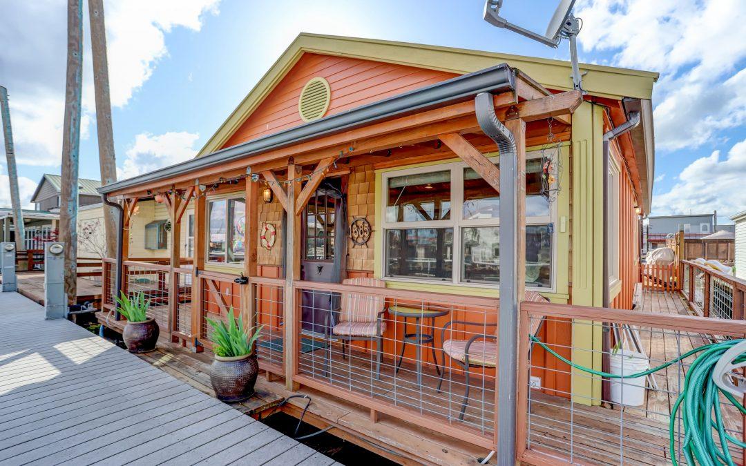 Lagoon Cabin Charmer   $239,000